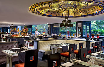 http://images.getcardable.com/sg/images/es/concorde-hotel-singapore-spices-cafe.jpg