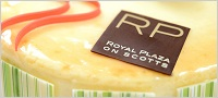 http://images.getcardable.com/sg/images/es/gourmet-carousel-royal-plaza-on-scotts.jpg
