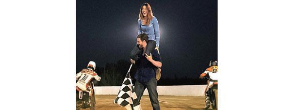 http://images.getcardable.com/sg/images/es/harley-davidson.jpg