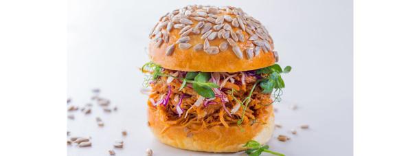 http://images.getcardable.com/sg/images/es/hilton-singapore-verde-kitchen.jpg
