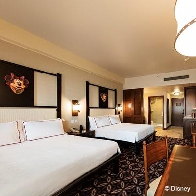 http://images.getcardable.com/sg/images/es/hong-kong-disneyland-hotel.jpg