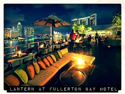 http://images.getcardable.com/sg/images/es/lantern-fullerton-bay-hotel-singapore.jpg