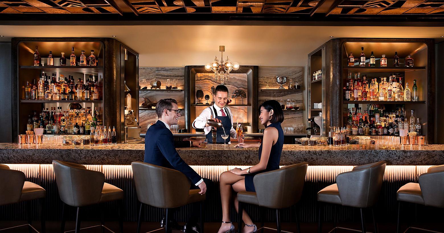 http://images.getcardable.com/sg/images/es/mo-bar-mandarin-oriental-singapore.