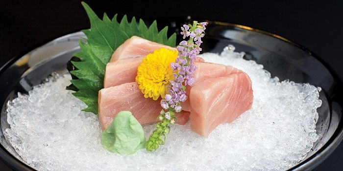 http://images.getcardable.com/sg/images/es/peace-japanese-cuisine.jpg