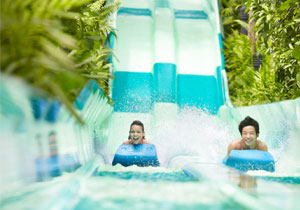 http://images.getcardable.com/sg/images/es/resorts-world-sentosa-adventure-cove-waterpark.ashx
