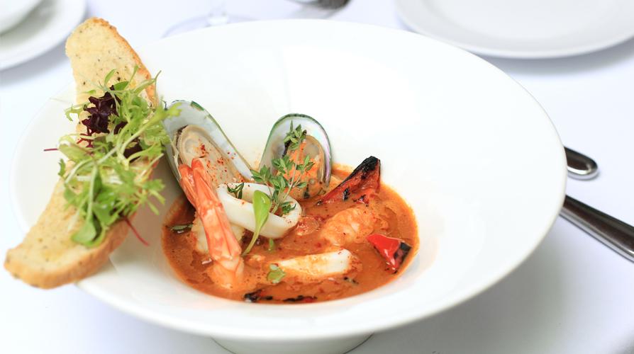 http://images.getcardable.com/sg/images/es/senso-ristorante-bar.jpg